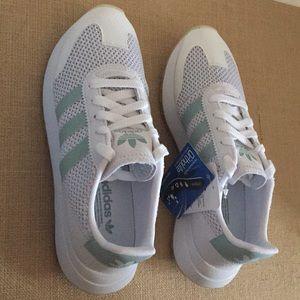 New Adidas Flashback Women's Shoes
